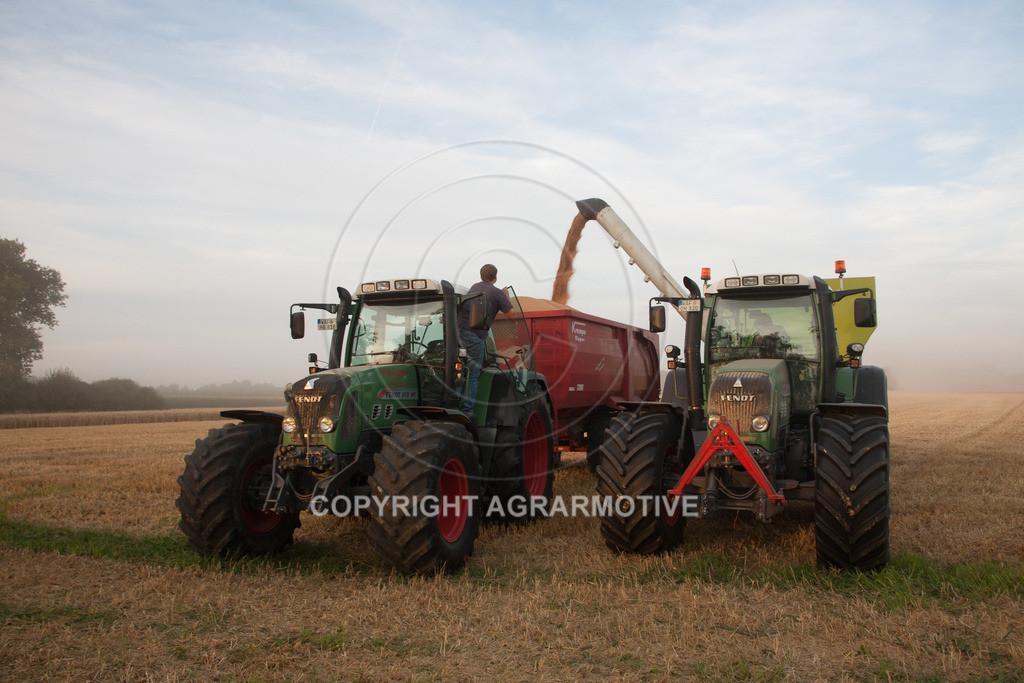 20120817-_MG_8678 | Weizenernte in der Dämmerung