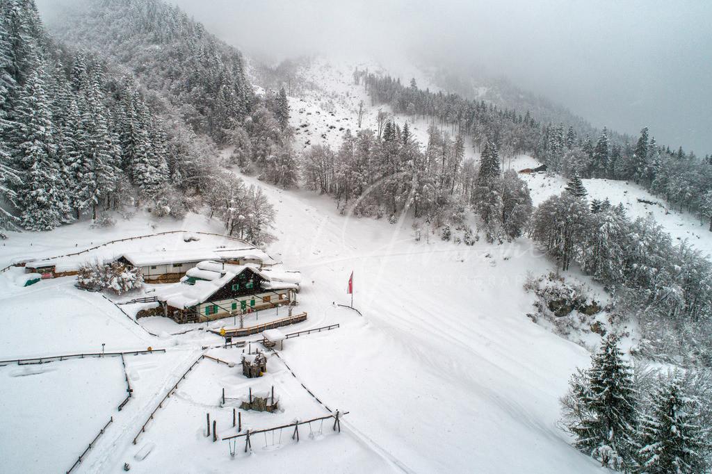 Arzler Alm | Die Arzler Alm bei Schneefall