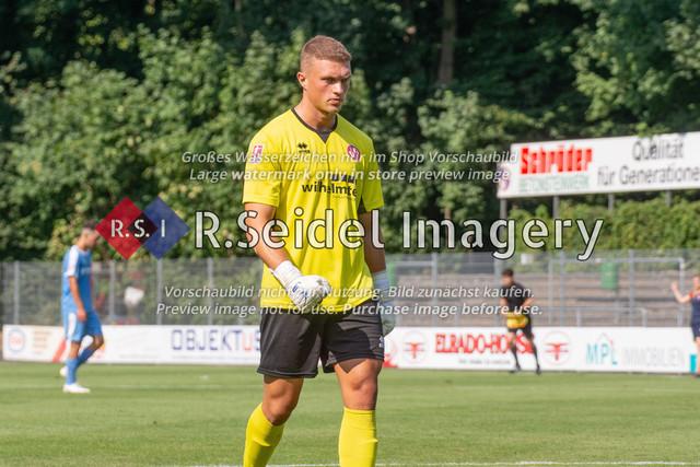 Fußball, Herren, LOTTO-Pokal Halbfinale, FC Eintracht Norderstedt - Altona 93, Edmund-Plambeck-Stadion, 16.08.2020   Lars Oliver Huxsohl (#1, Norderstedt, Torwart)