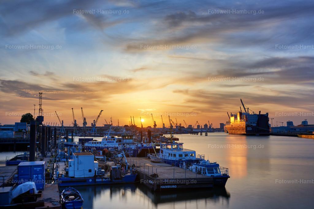10190802 - Abend im Hansahafen | Tolle Abendstimmung im Hamburger Hafen.