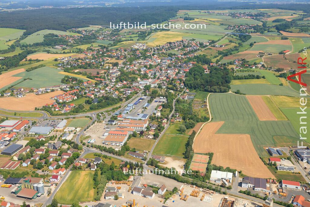 luftbild-untersiemau-2015-4773 | Luftbild von  Untersiemau - Luftaufnahme wurde 2015 von https://frankenair.de mittels Flugzeug (keine Drohne) erstellt - die Geschenkidee