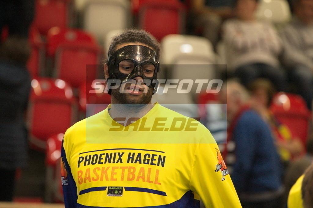 Phoenix Hagen - Kirchheim Knights   Maskenmann Javon Baumann (Phoenix)