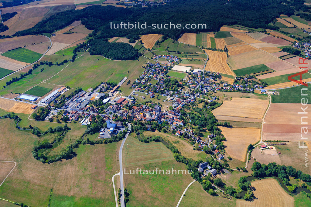 untersiemau-2015-2154 | Luftbild von  Untersiemau - Luftaufnahme wurde 2015 von https://frankenair.de mittels Flugzeug (keine Drohne) erstellt - die Geschenkidee