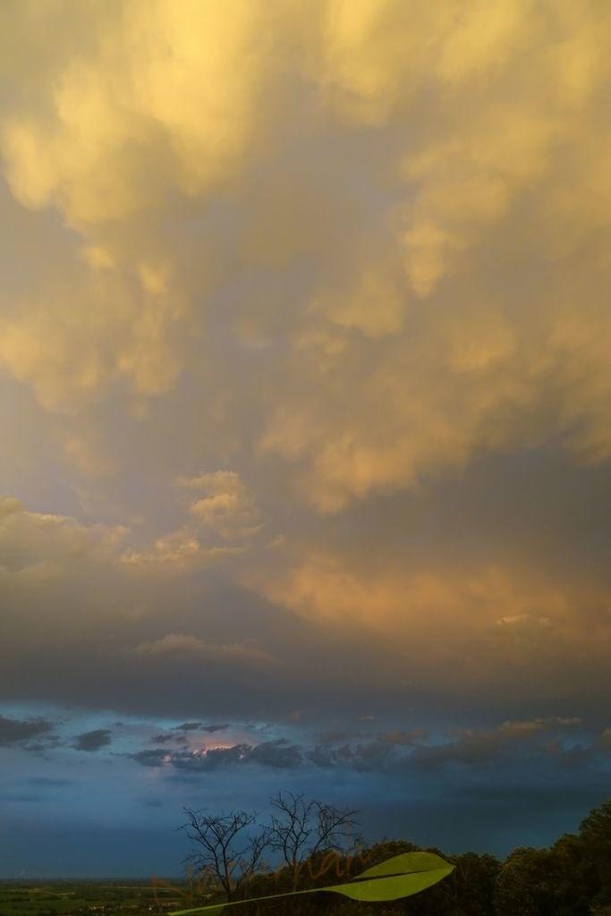 Himmelsleuchten | Das Himmelsleuchten lässt die vertraute Welt in einem zauberhaften Licht erstrahlen. Du holst dieses Licht in Dein Leben und spürst: alles Alltägliche ist nun zauberhaft und  strahlend schön!