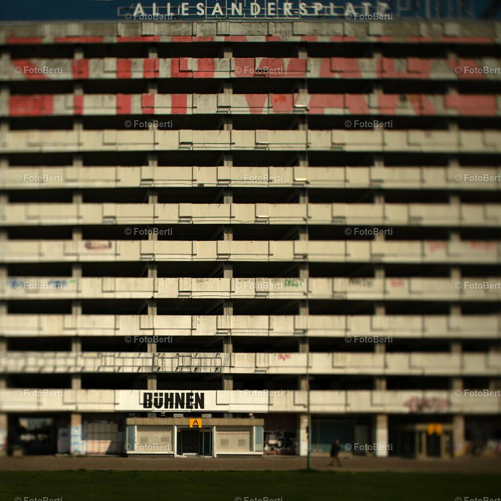Hochhaus am Alex
