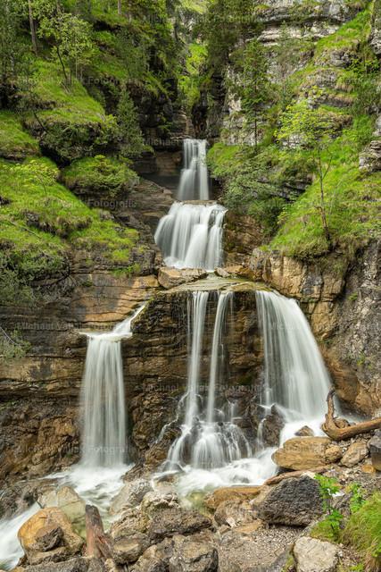 Kuhfluchtwasserfall in Farchant | Die erste von insgesamt drei Fallstufen der Kuhfluchtwasserfälle in Farchant bei Garmisch-Partenkirchen.