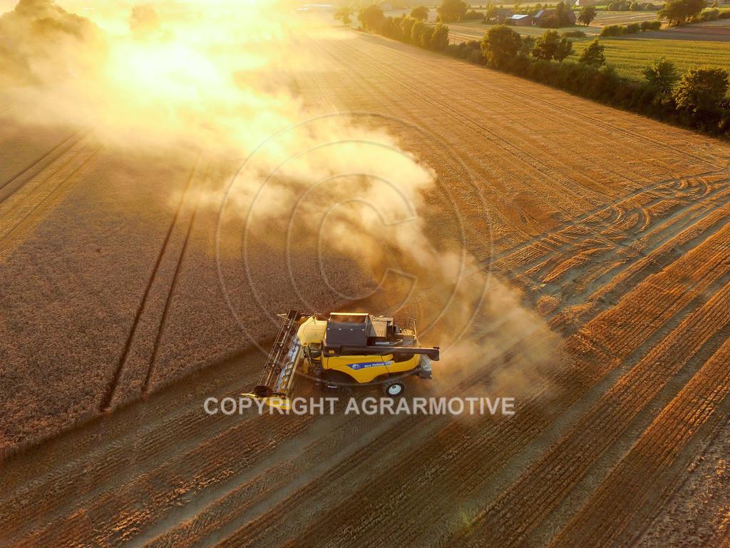 20160815-DJI_0415 | Weizenernte beim Sonnenuntergang - AGRARMOTIVE