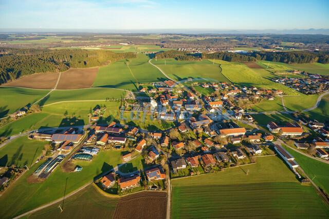 luftbild-nussdorf-chiemgau-bruno-kapeller-62 | Luftaufnahme von Nußdorf im Chiemgau, Winter 2015. Das Dorf befindet sich ca.5 km vom Chiemsee entfernt, Landkreis Traunstein.