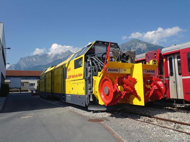 RhB Xrot mt 95401 & RhB Xrot mt 95402 | Die beiden Schneeschleudern wurden 2012 ausgeliefert. Ihr Einsatz ist im Winter auf dem Streckennetz der Rhätischen Bahn.
