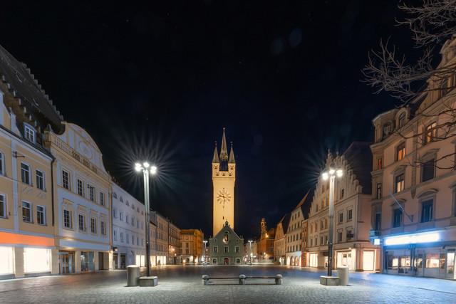 Stadtturm Straubing | Stadtturm Straubing bei Nacht vom Ludwigsplatz