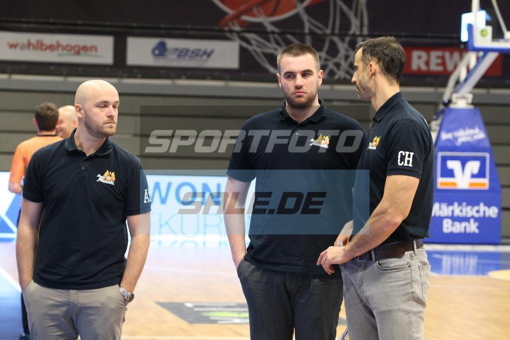 Phoenix Hagen - Orange Academy   Hagens Trainerteam - © Sportfoto-Sale (MK)