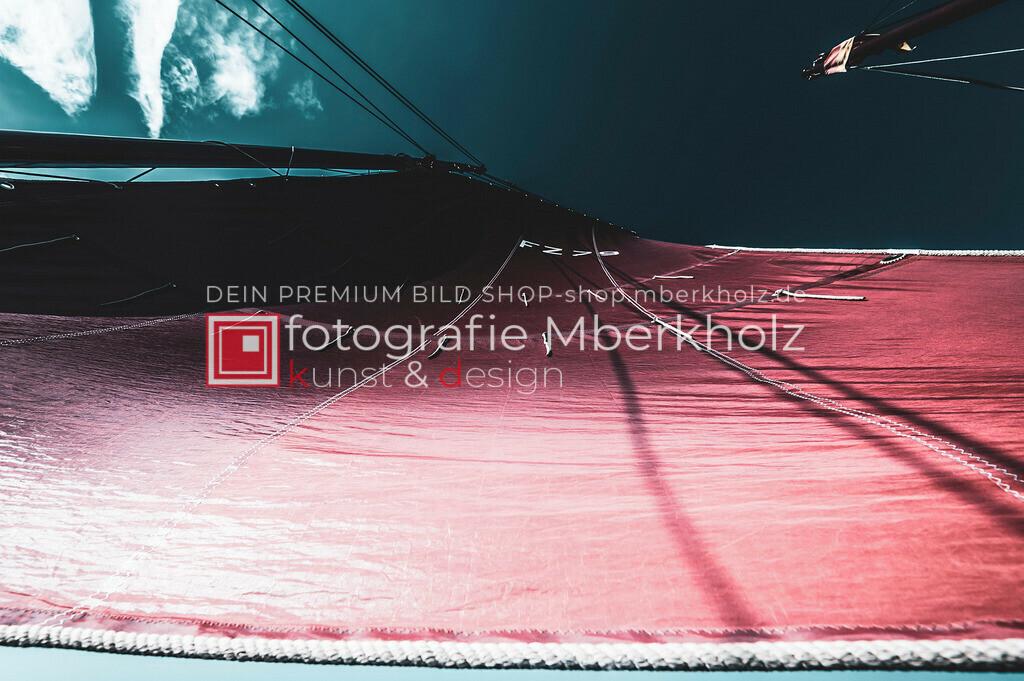 @Marko_Berkholz_mberkholz_MBE6797   Die Bildergalerie Zeesenboot   Maritim   Segel des Warnemünder Fotografen Marko Berkholz zeigt maritime Aufnahmen historischer Segelschiffe, Details, Spiegelungen und Reflexionen.