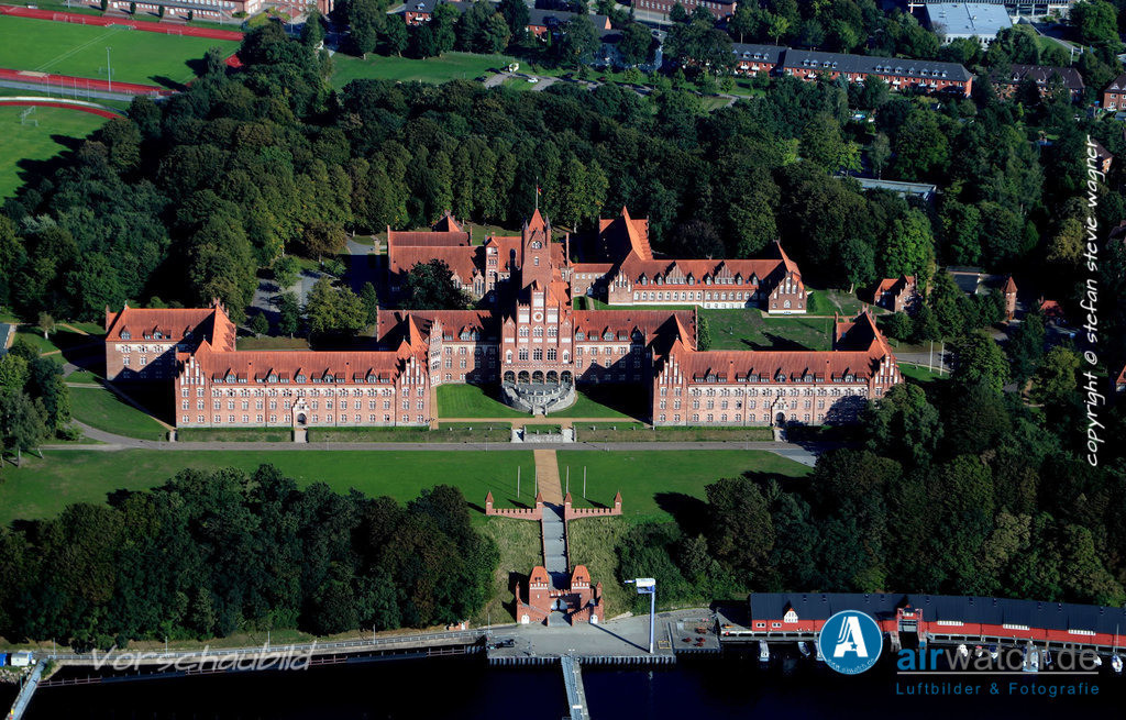 Luftbild Flensburger Foerde, Marineschule Muerwik, Bundesmarine   Luftbild Flensburger Foerde, Marineschule Muerwik, Bundesmarine • max. 6240 x 4160 pix