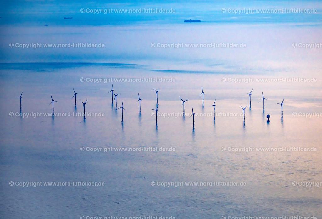 Windpark Offshore Außenweser_ELS_3182070619a | Nordergründe - Aufnahmedatum: 07.06.2019, Aufnahmehöhe: 1539 m, Koordinaten: N53°41.394' - E8°07.160', Bildgröße: 6912 x  4696 Pixel - Copyright 2019 by Martin Elsen, Kontakt: Tel.: +49 157 74581206, E-Mail: info@schoenes-foto.de  Schlagwörter:Niedersachsen,Offshore,Nordergründe,Windräder,Stromerzeugung,Luftbild, Luftbilder, Deutschland