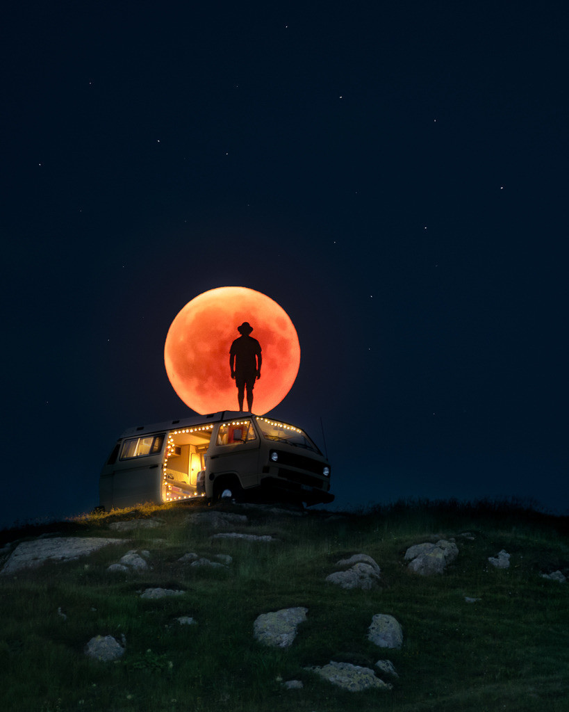 Chained To The Night | Blood moon from 2018 rising behind Van.
