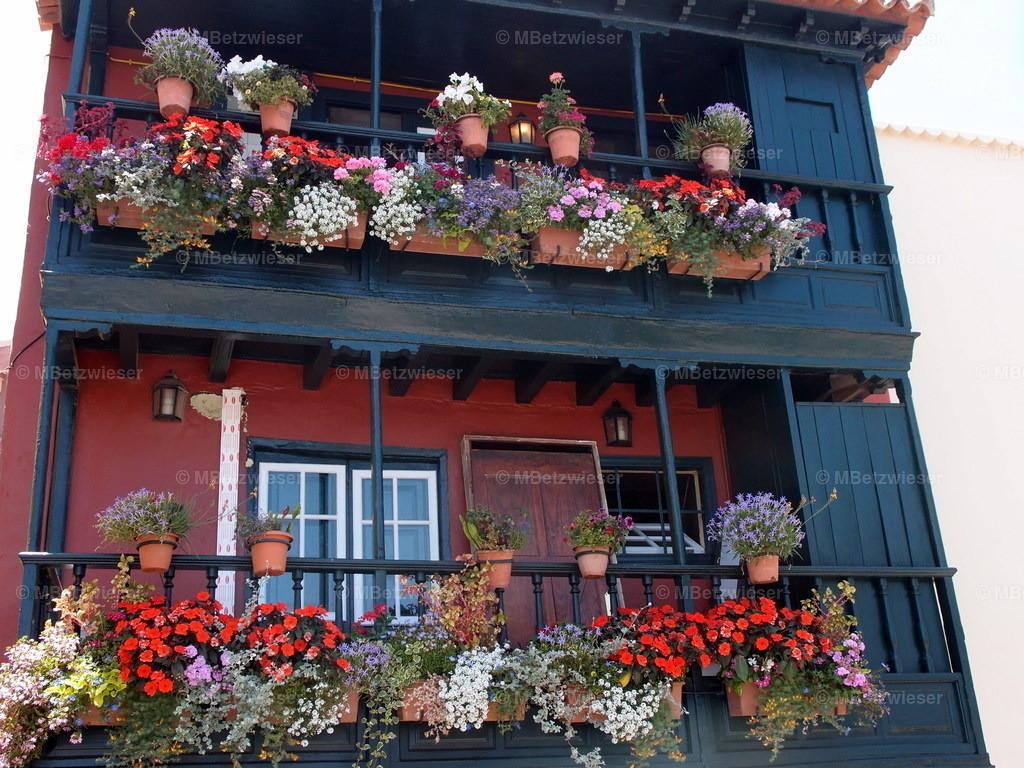 P5306315 | Balcones de la avenida Marítima in Santa Cruz de La Palma