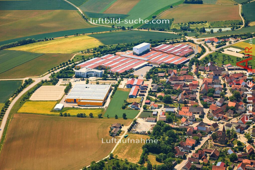 luftbild-ergersheim-2015-4692   Luftbild von  Ergersheim - Luftaufnahme wurde 2015 von https://frankenair.de mittels Flugzeug (keine Drohne) erstellt - die Geschenkidee