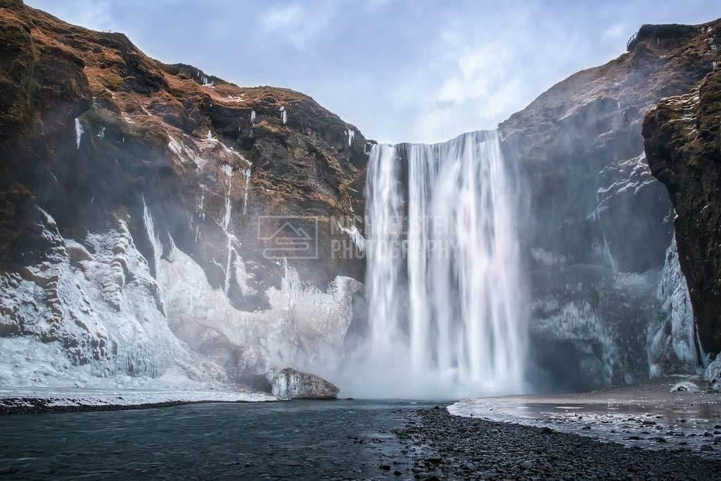 Island - Skogafoss im Winter | Wasserfall Skogafoss im Winter mit Eis und Schnee