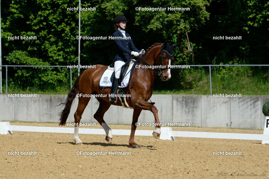 L_Foto-Production_Giesenbach2019_Starter113-24_Leonie-Ponnier_De-Niros-Gold
