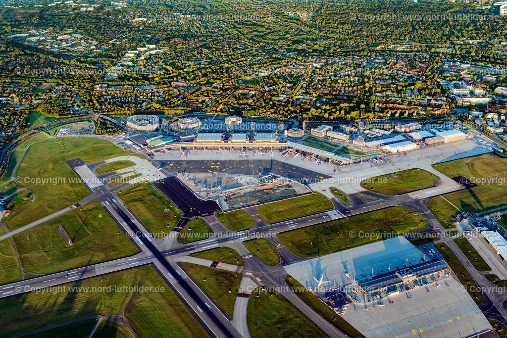 Hamburg Flughafen_ELS_4328210919 | Hamburg Fluhafen - Aufnahmedatum: 21.09.2019, Aufnahmehöhe: 793 m, Koordinaten: N53°37.765' - E9°58.619', Bildgröße: 8256 x  5504 Pixel - Copyright 2019 by Martin Elsen, Kontakt: Tel.: +49 157 74581206, E-Mail: info@schoenes-foto.de  Schlagwörter:Hamburg,Finkenwerder,Luftbild, Luftbilder, Deutschland