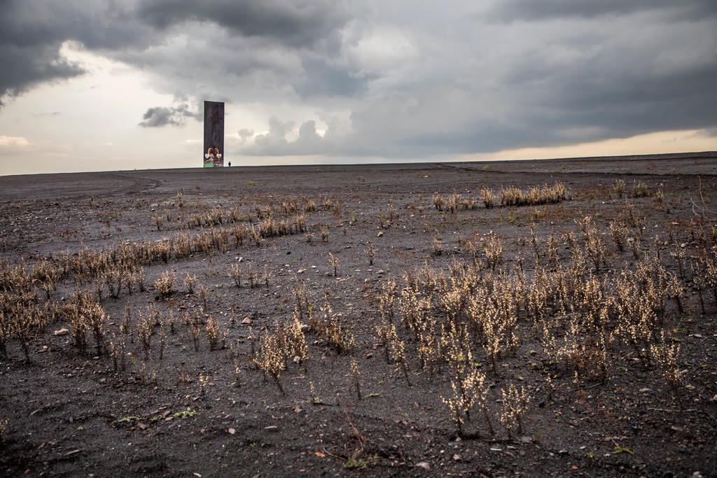 JT-171105-074   Schurenbachhalde, Kunstwerk des britischen Künstlers Richard Serra,