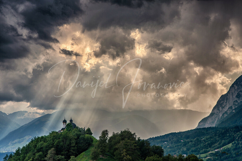 Kalvarienberg | Sonnenstrahl auf den Arzler Kalvarienberg