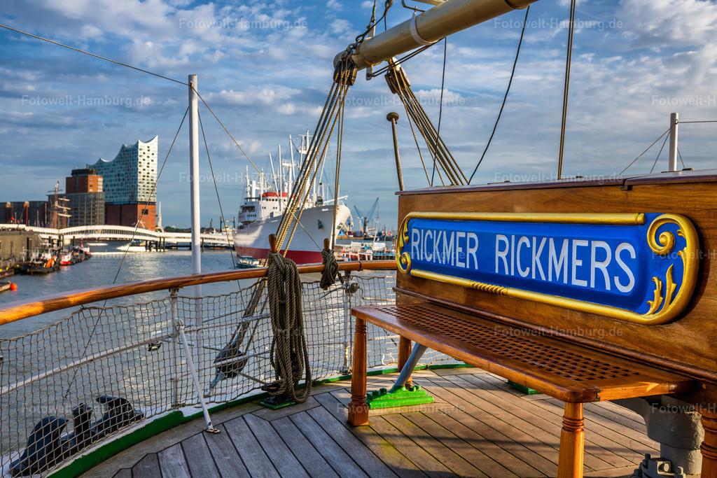 10210519 - Auf der Rickmer Rickmers | Detailaufnahme der Rickmer Rickmers mit Blick auf die Elbphilharmonie und die Cap San Diego, veröffentlicht mit freundlicher Genehmigung vom Team der Rickmer Rickmers.