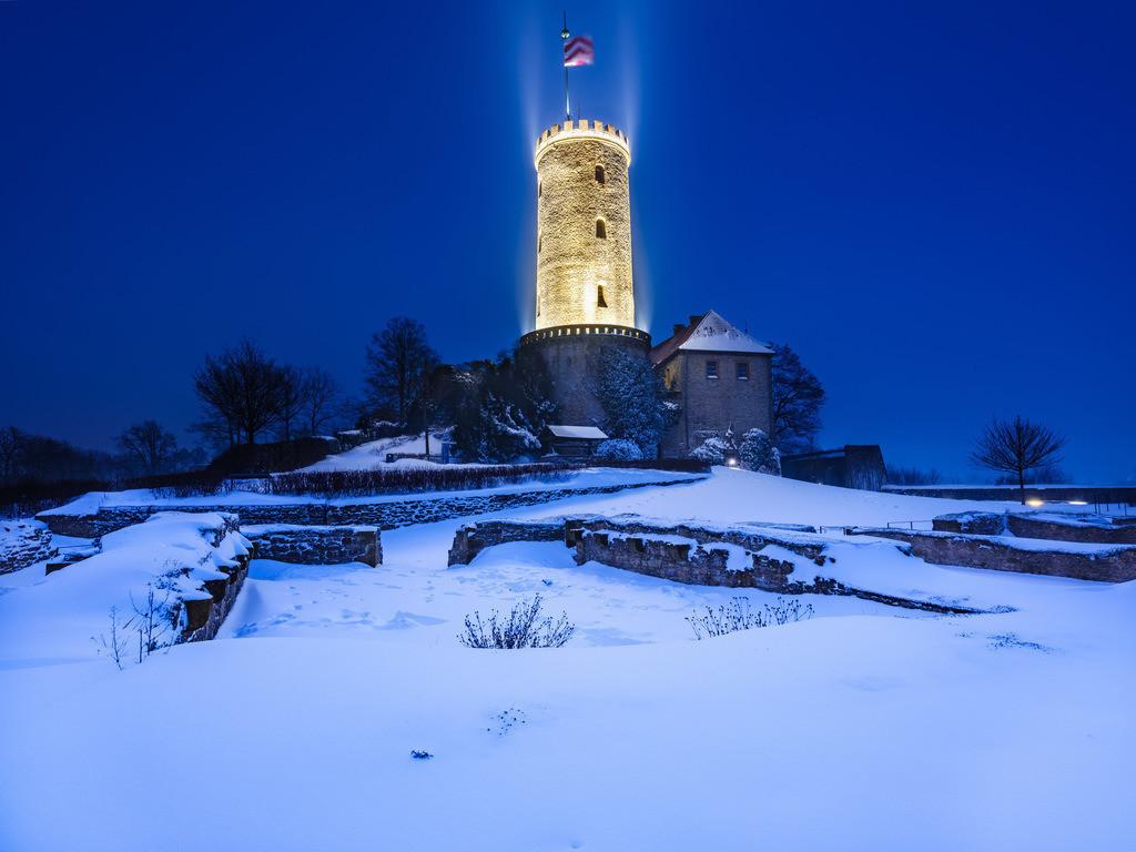 Februarnacht auf der Sparrenburg | Februarnacht auf der Sparrenburg im Winter.