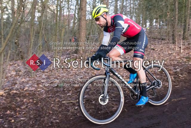 Radsport, Stevens Cyclocross Cup 2019, 10. Lauf (RSG Nordheide), Rennen 9 (Elite Herren + U23, Masters 2 / Elite Ü40 und Junioren U19), Buchholz i.d.N., 19.01.2020 | Philipp Becker (Harvestehuder RV 1909 e.V., #4, Elite)