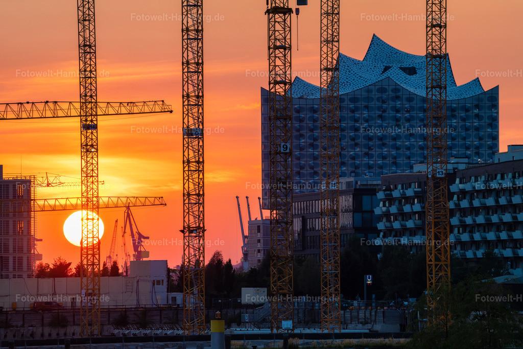 10200910 - Urban Sunset | Sonnenuntergang in der Hafencity mit Blick auf die Elbphilharmonie.