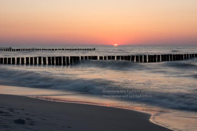 Sonnenuntergang am Ostseestrand | Sonnenuntergang am Ostseestrand von Zingst in Deutschland