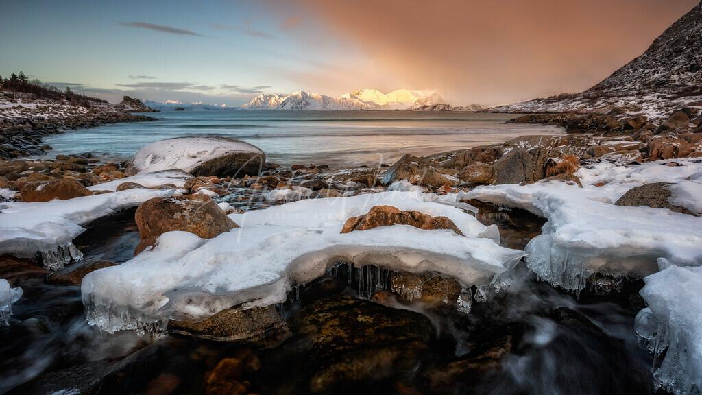 Eisformationen am Meer