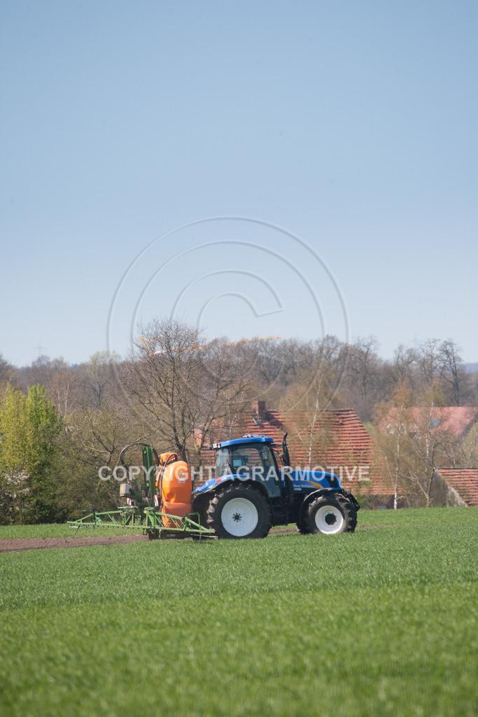 20100417-IMG_5632 | Feldspritze im jungen Getreidebestand