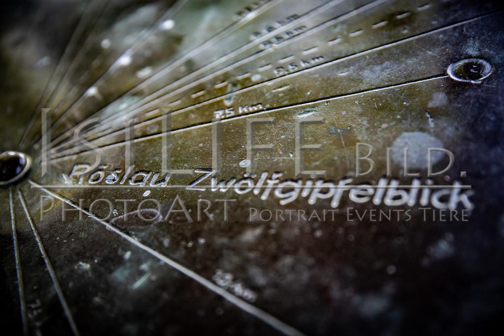 Röslau - Mittelpunkt des Fichtelgebirges | Tafel auf dem Zwölfgipfelblick