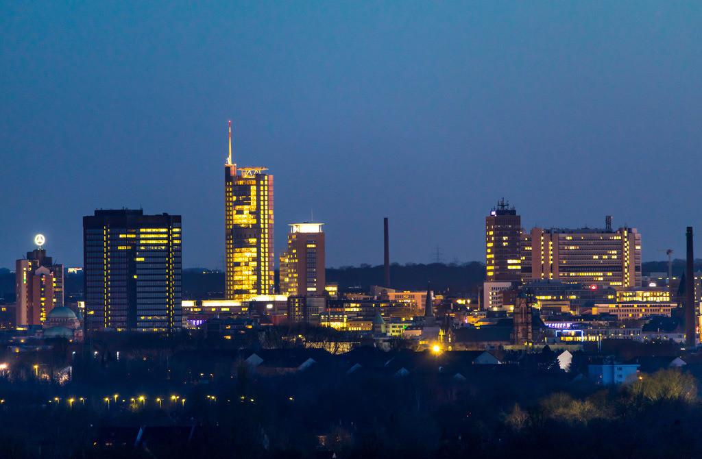 JT-18021-069 | Die Skyline von Essen,