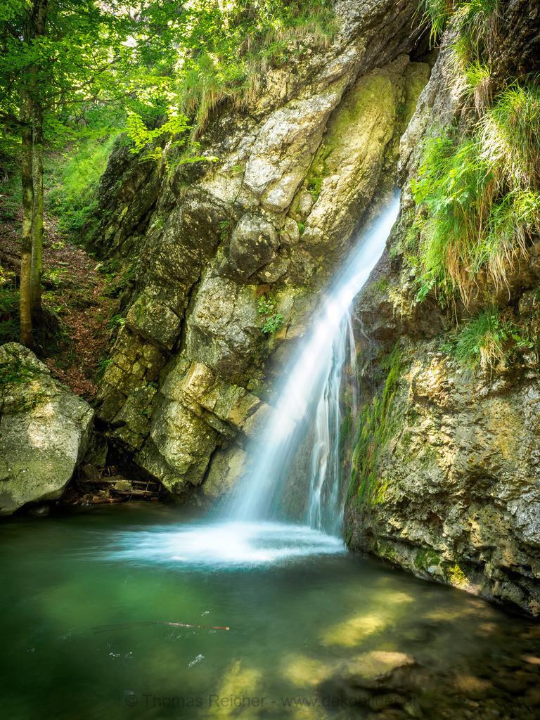 Walchsee - Lochner Wasserfall 3 | Der Lochner Wasserfall in Walchsee im Sommer.