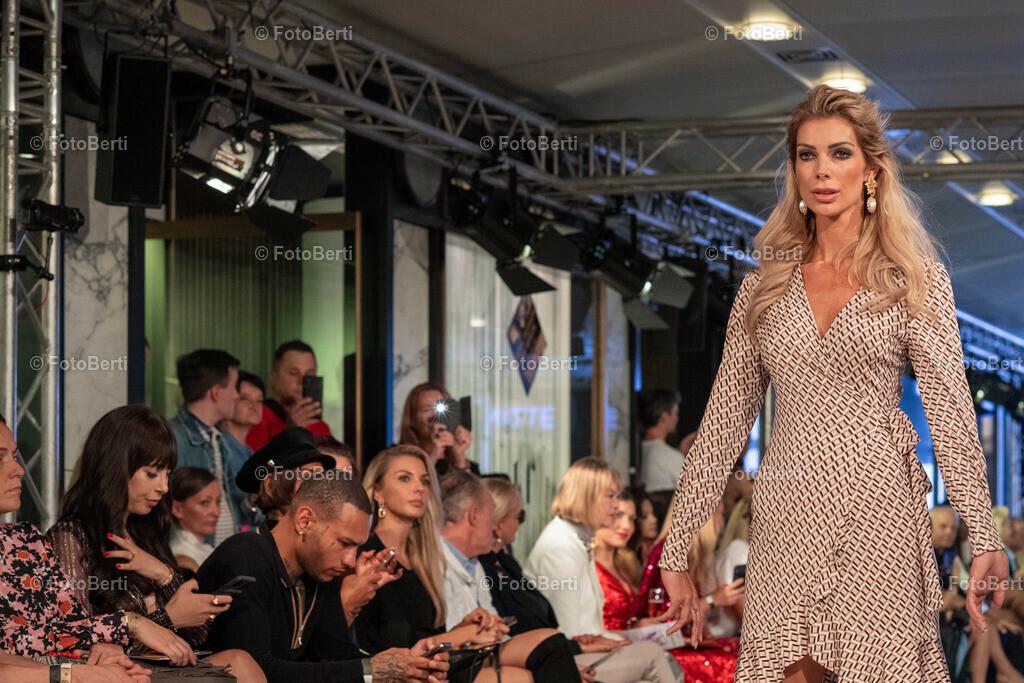 Pre-Opening der Fashion Week - Fashion Hall im Quartier 2006   Annika Gassner