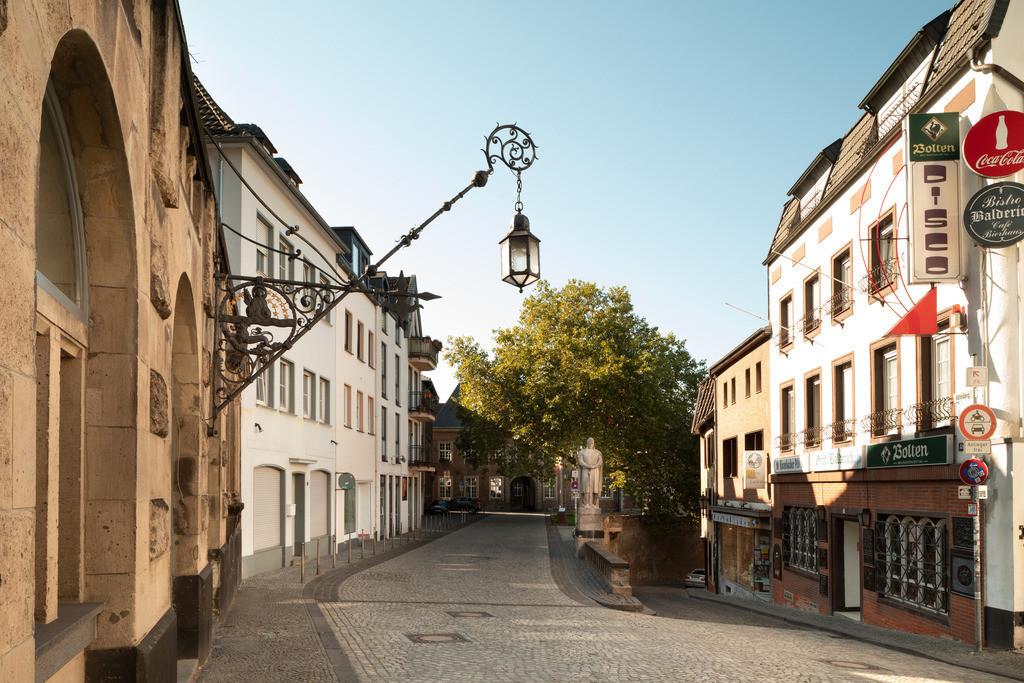 Mönchengladbach-strasse-01-h4-hotel-moenchengladbach