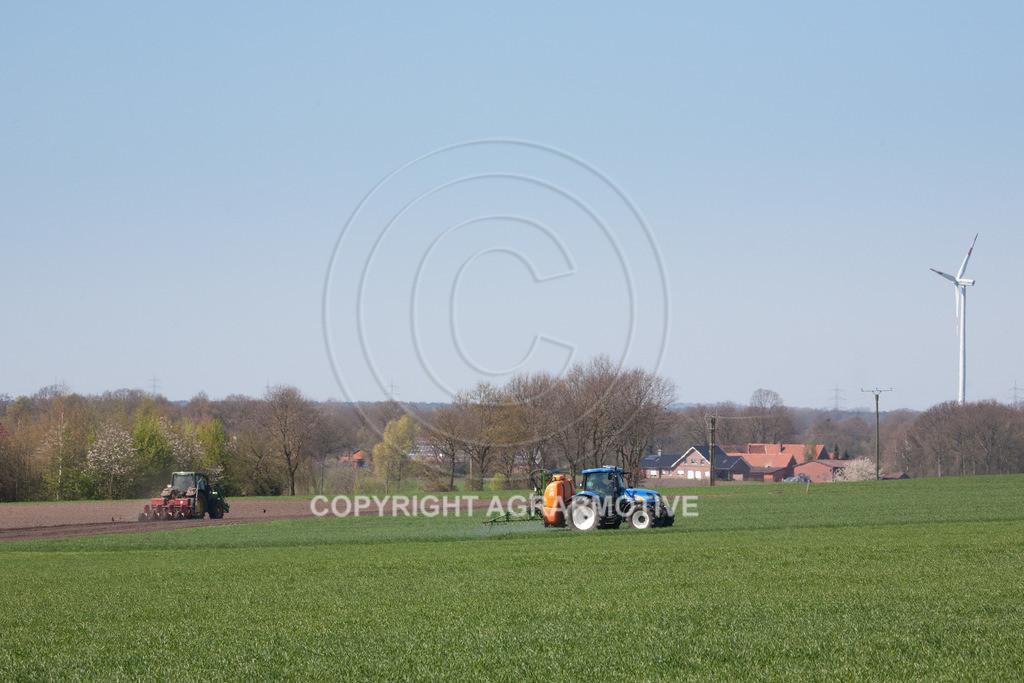 20100417-IMG_5624 | Feldspritze im jungen Getreidebestand