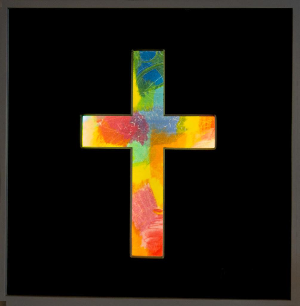 Leuchtkreuz | Das Original ist 10cm hinter einer Kreuzförmigen Öffnung, je näher man kommt desto mehr sieht man das Gemälde im Inneren des Kreuzes. Dort sind 2 Lampen die es beleuchten. Es ist eher etwas zum Hineinschauen als zu anfassen. Es strahlt aus, so wie die, die es innen gesehen haben.
