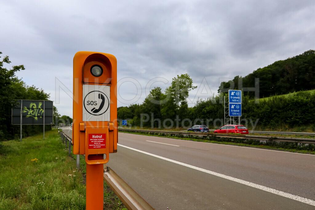 Notrufsäule an der A46 | Eine Notrufsäule an der A46 in Iserlohn.