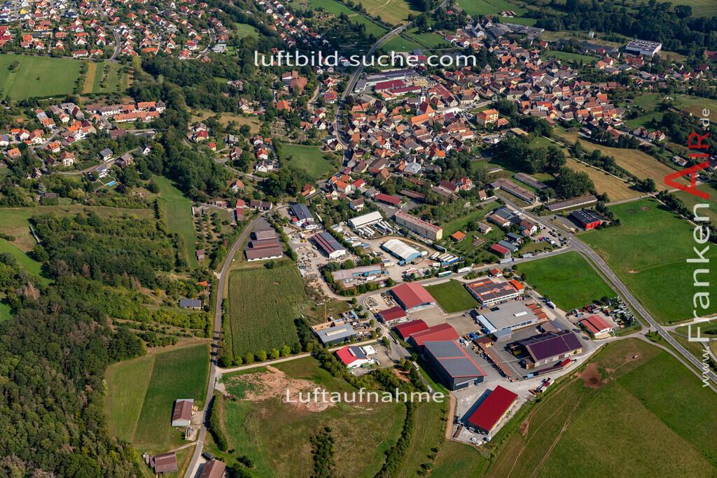 burghaslach-19-779   aktuelles Luftbild von  Burghaslach - Luftaufnahme wurde 2019 von https://frankenair.de mittels Flugzeug (keine Drohne) erstellt.