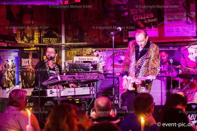Cagey Strings 27.12.2015_RattleSnake-004