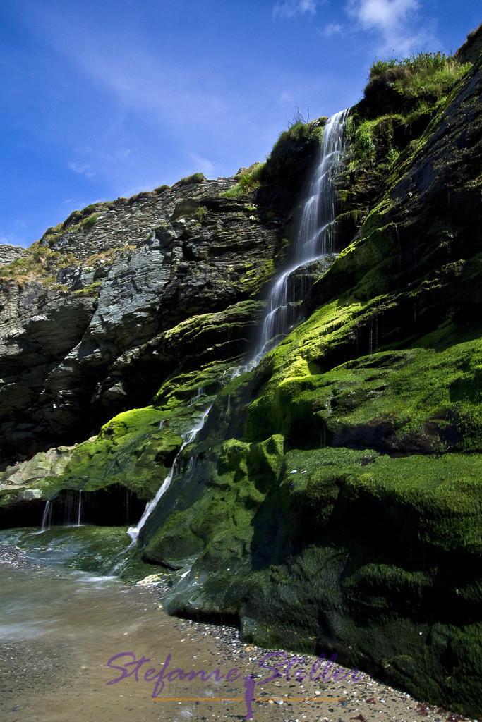 Arthur's Wasserfall | Wasserfall am Tintagle Castle