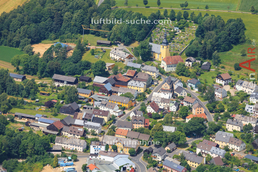 schoenbrunn-wunsiedel-2016-243 | Luftbild von Schoenbrunn Wunsiedel - Luftaufnahme wurde 2016 von https://frankenair.de mittels Flugzeug (keine Drohne) erstellt - die Geschenkidee