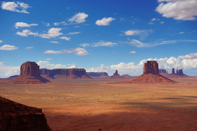 Arizona Monument Valley   USA, Arizona, 07.08.2012, Monument Valley© 2012 Christoph Hermann, Bild-Kunst Urheber 707707