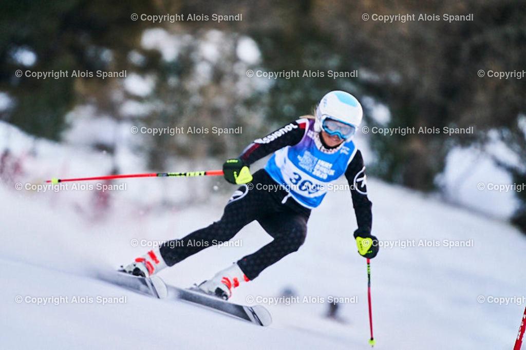 ALS5489_WWMG_GS-II_C   (C) FotoLois.com, Alois Spandl, WinterWorldMastersGames 2020 Innsbruck, Giant Slalom-II Gruppe C Damen, Patscherkofel Olympiaabfahrt, Mi 15. Jänner 2020.