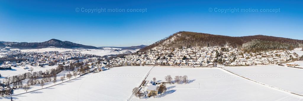 Panorama_Zierenberg vom Dörnberg_3zu1b