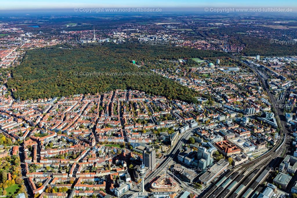 Hannover_Eilenriede_ELS_6776151017 | Hannover - Aufnahmedatum: 15.10.2017, Aufnahmehöhe: 628 m, Koordinaten: N52°22.715' - E9°43.844', Bildgröße: 7944 x  5296 Pixel - Copyright 2017 by Martin Elsen, Kontakt: Tel.: +49 157 74581206, E-Mail: info@schoenes-foto.de  Schlagwörter:Hannover,Luftbild, Luftbilder, Deutschland