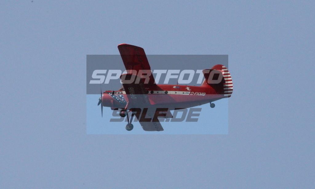 Bayer 04 Leverkusen - TSG 1899 Hoffenheim   Flugzeug über der Arena